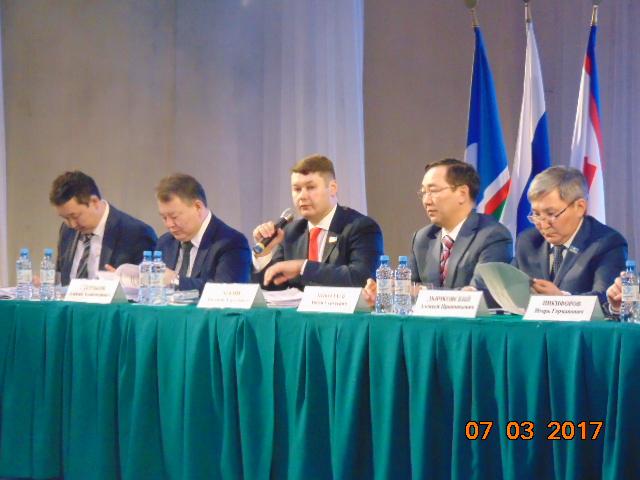 Евгений ЧЕКИН: В 2016 году в бюджет г. Якутска из республиканского бюджета направлено порядка 2,5 млрд. рублей