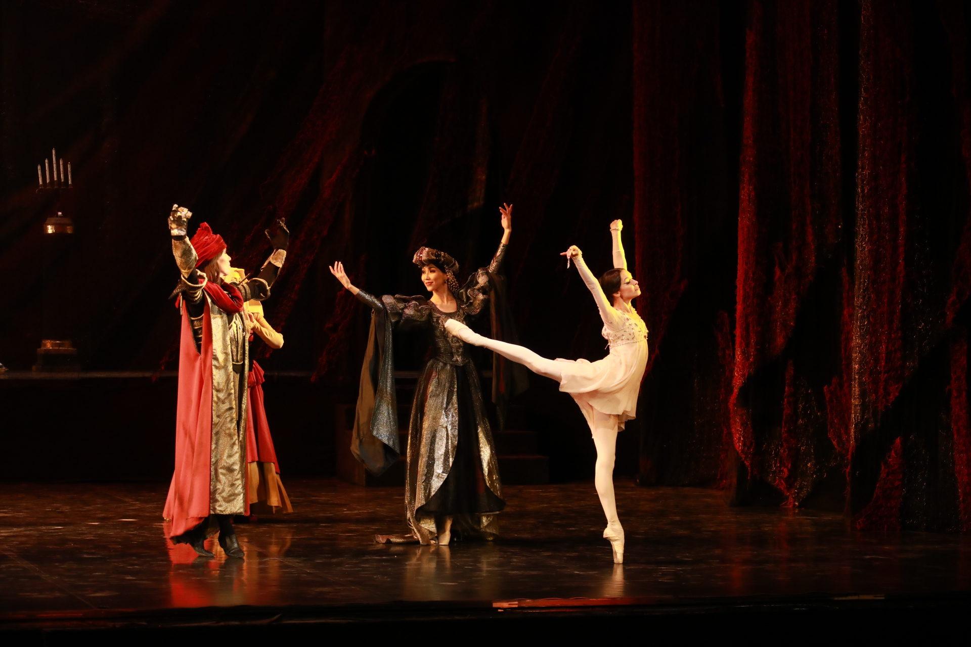 «Ромео и Джульетта» продолжили международный балетный марафон на сцене главного театра Якутии.