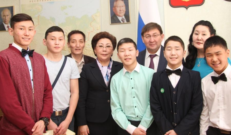 Якутский ансамбль ВИА «Хатан» едет в «Артек»
