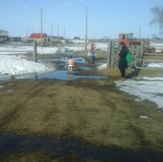 По сообщению СМИ о нахождении раздетого малолетнего ребенка на улице в одном из сел Республики Саха (Якутия) организовано проведение доследственной проверки