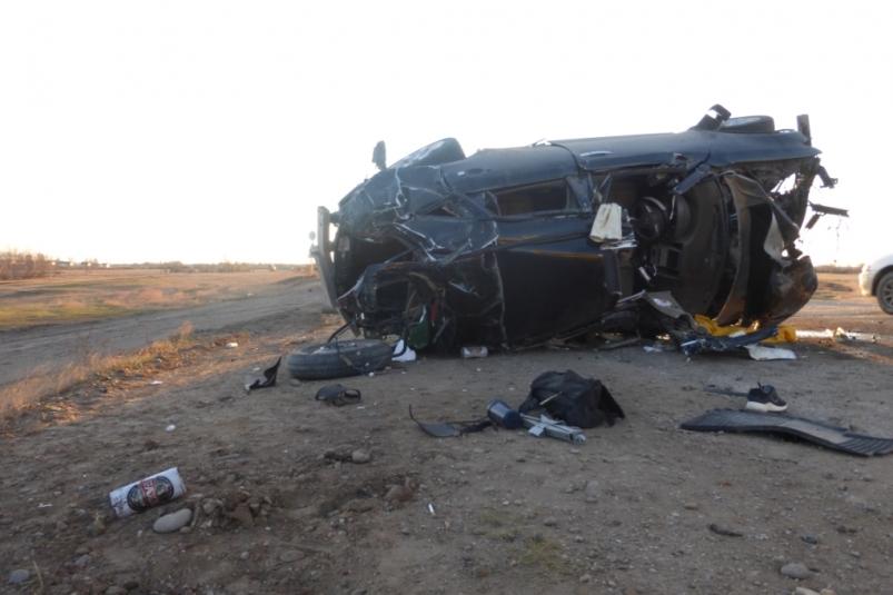 Молодые люди остались живы после страшного ДТП в Якутске