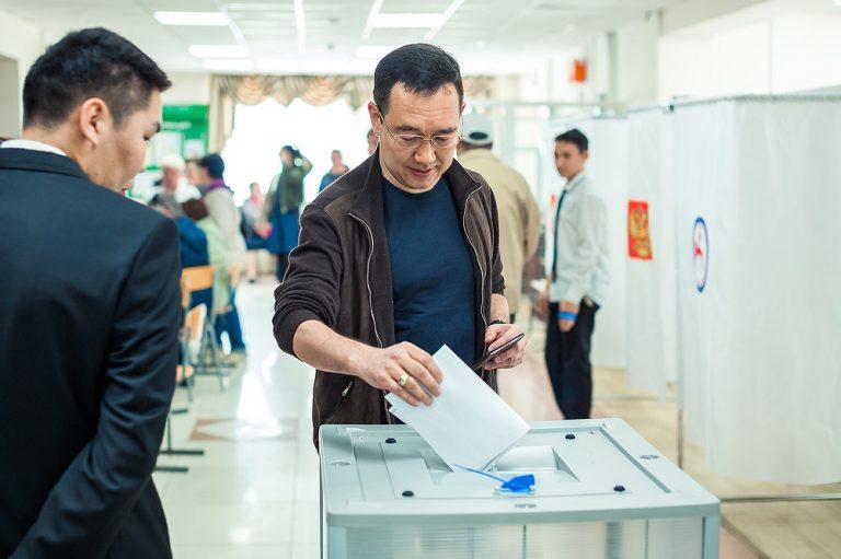 Айсен Николаев принял участие в предварительном голосовании