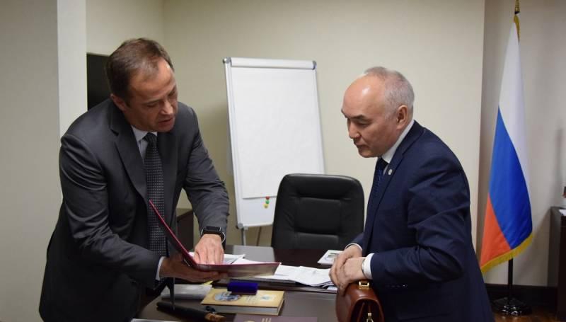 Глава Вилюйского улуса встретился с гендиректором «Роскосмоса»