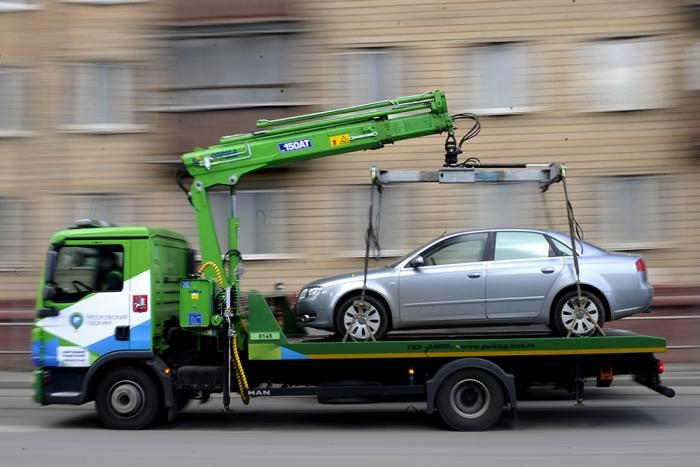 Госавтоинспекция г. Якутска: 7 и 9 мая автомобили, припаркованные на перекрытых дорогах, будут эвакуированы
