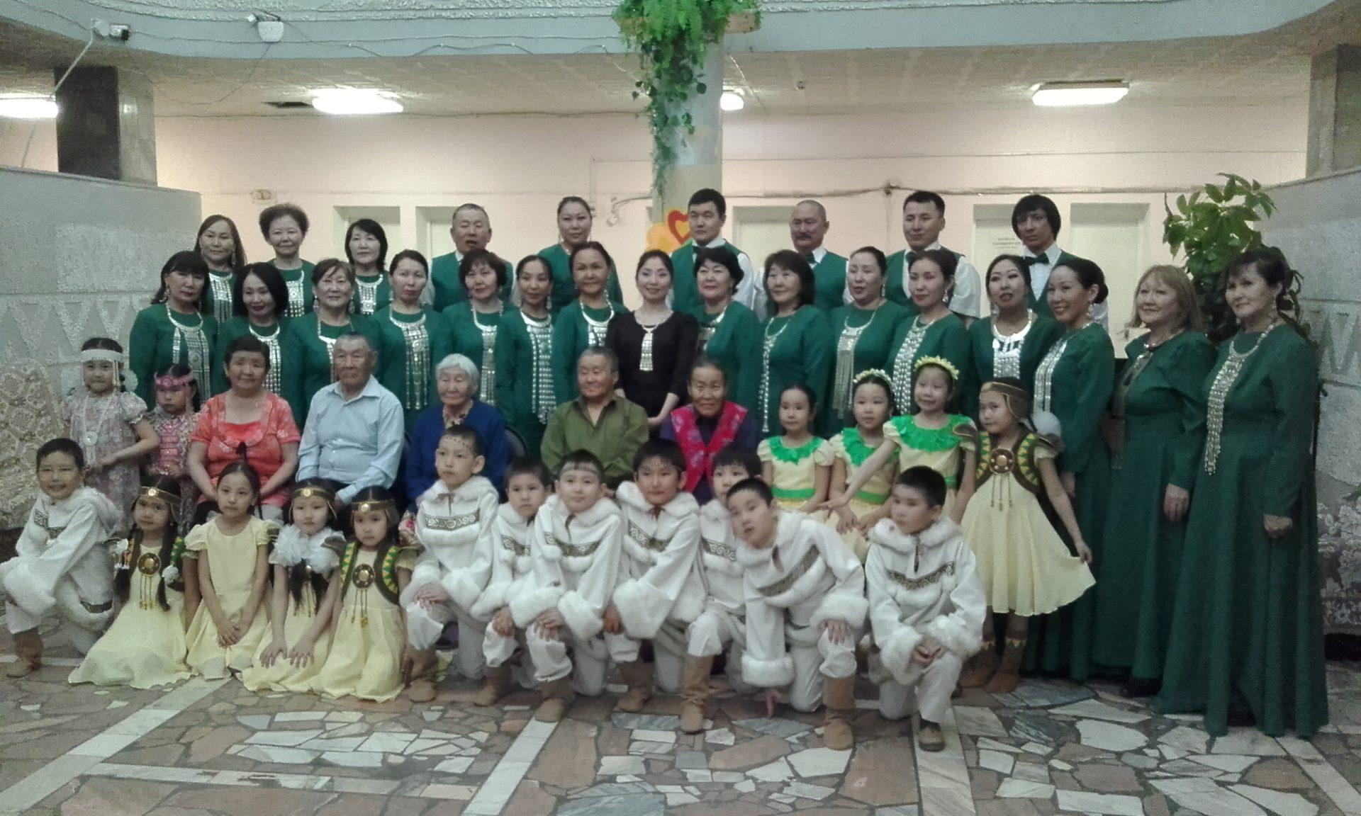 В Якуткурорте перед ветеранами труда и тыла выступили воспитанники детского сада «Журавлик» в рамках Года Добра