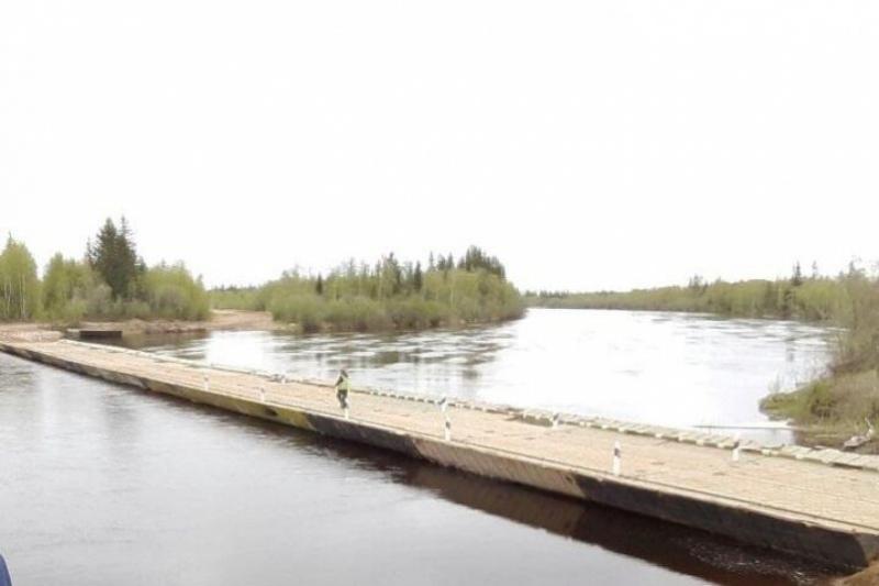 Понтонный мост установили на реке Тюкян на федеральной дороге «Вилюй»