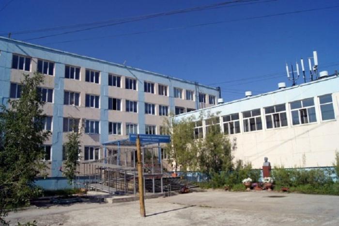 На взятке в миллион рублей попался заместитель директора Якутского колледжа связи
