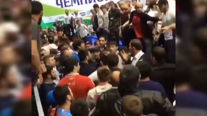 На чемпионате России по вольной борьбе произошла потасовка