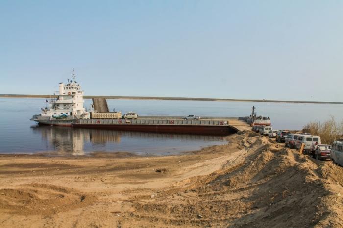 В Якутии затруднена переправа через реку Лена