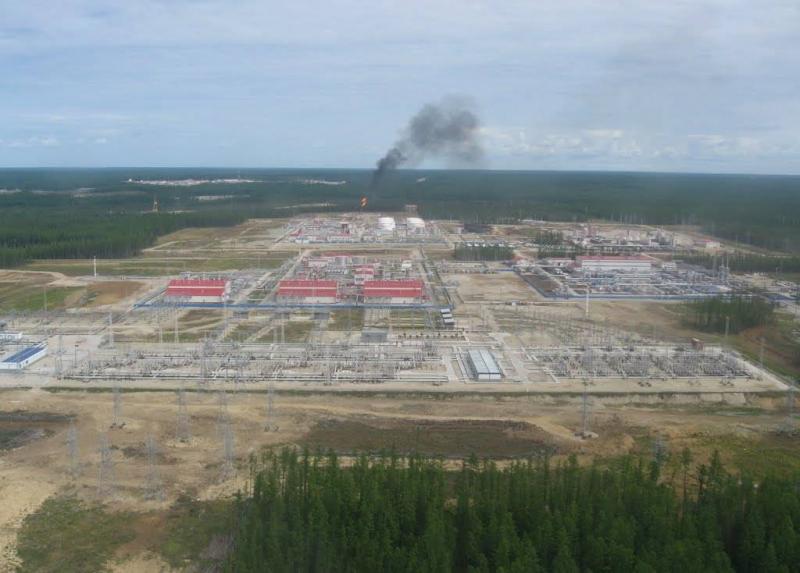 Аварийный выброс газа зафиксировали на нефтегазовом месторождении в Якутии