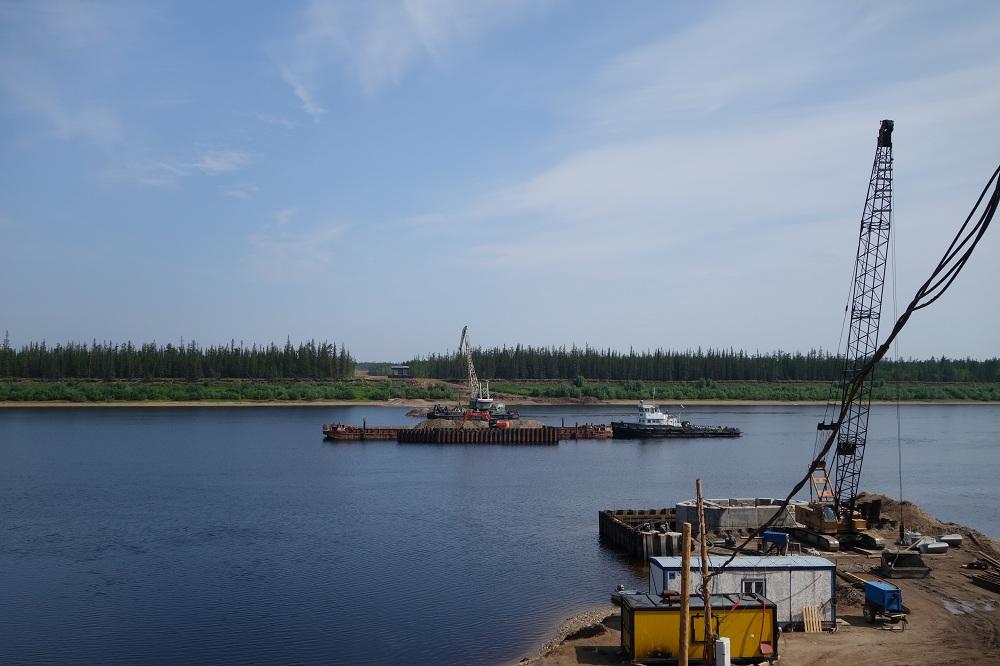 Строительство мостового перехода через р. Марха в Якутии ведется по графику