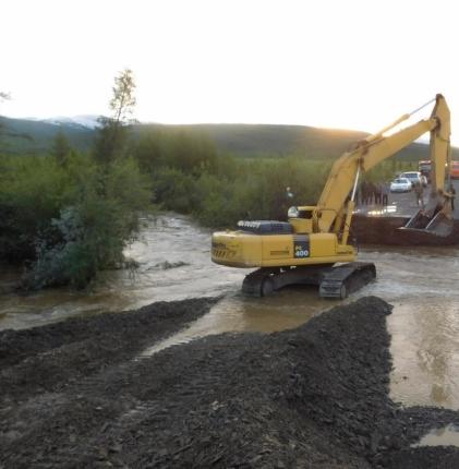 Движение по федеральной автодороге «Колыма» закрыто в связи с размывом дорожного полотна