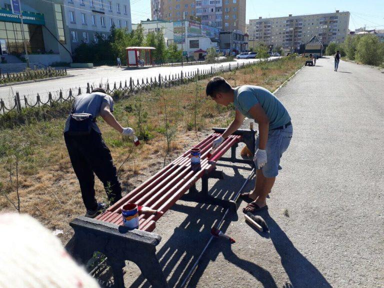 Активная молодежь Якутска провела работы по благоустройству