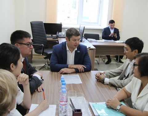 Евгений Чекин представил коллективу Корпорации развития Якутии нового генерального директора