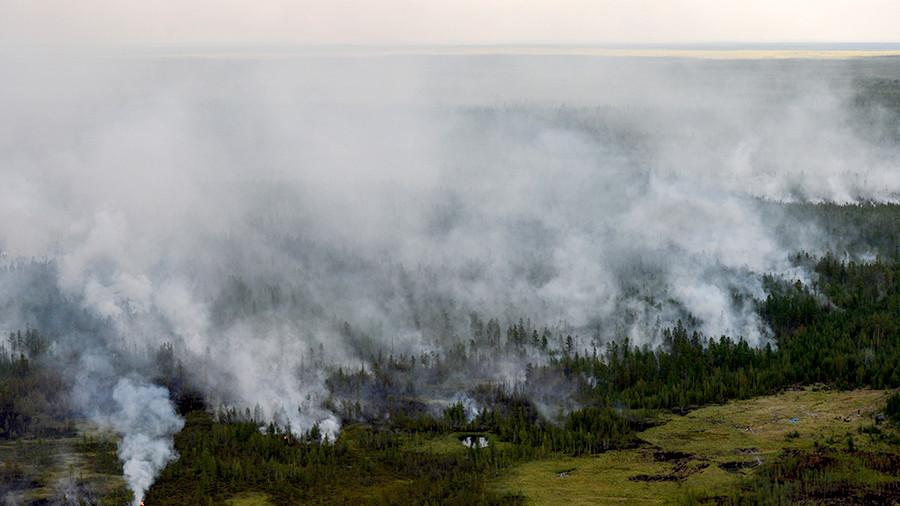Глава Кобяконсого наслега не подтвердил слух о сотрудниках МЧС, якобы специально затягивающих тушение пожаров
