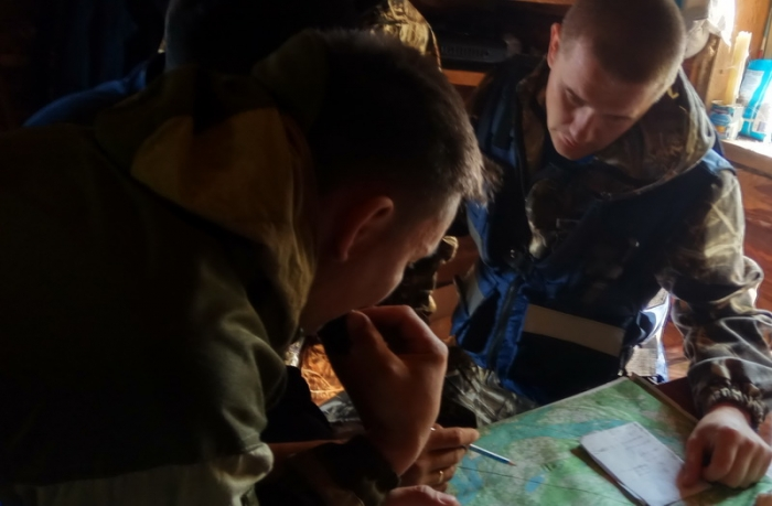 В Намском районе Якутии восемнадцать групп продолжают поиски двух человек