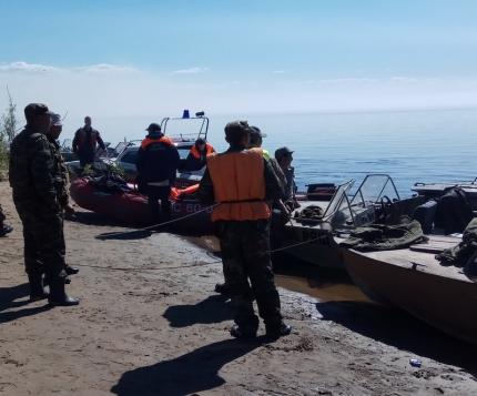 МЧС: В Намском районе Якутии продолжают поиски одного человека