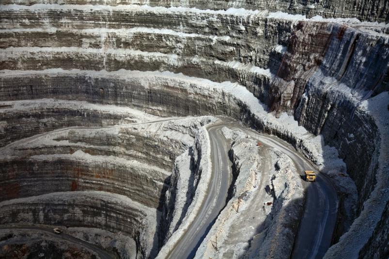 АЛРОСА проведет оценку безопасности подземных работ на всех рудниках