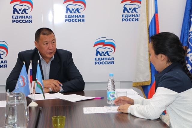 Александр Саввинов провел прием граждан в Общественной приемной
