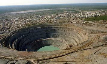 Рудник «Мир»: В шахте все еще остаются 8 рабочих