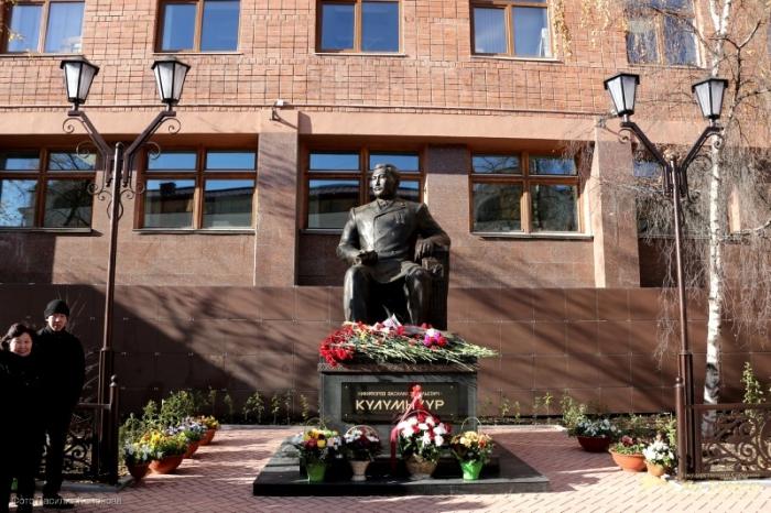 В День государственности Якутии перекроют улицу Ярославского у Ил Тумэна