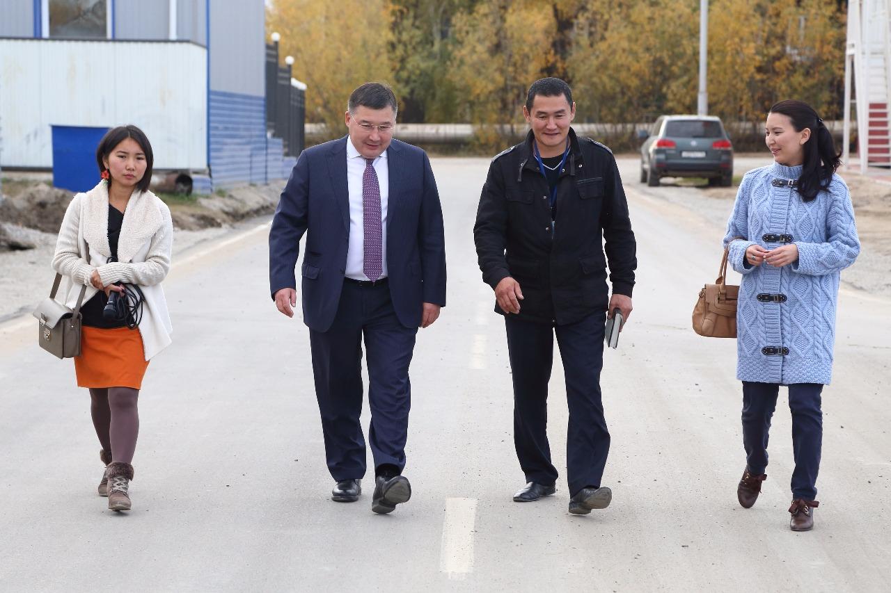 Аэропорт «Якутск» заасфальтировал улицу Комарова