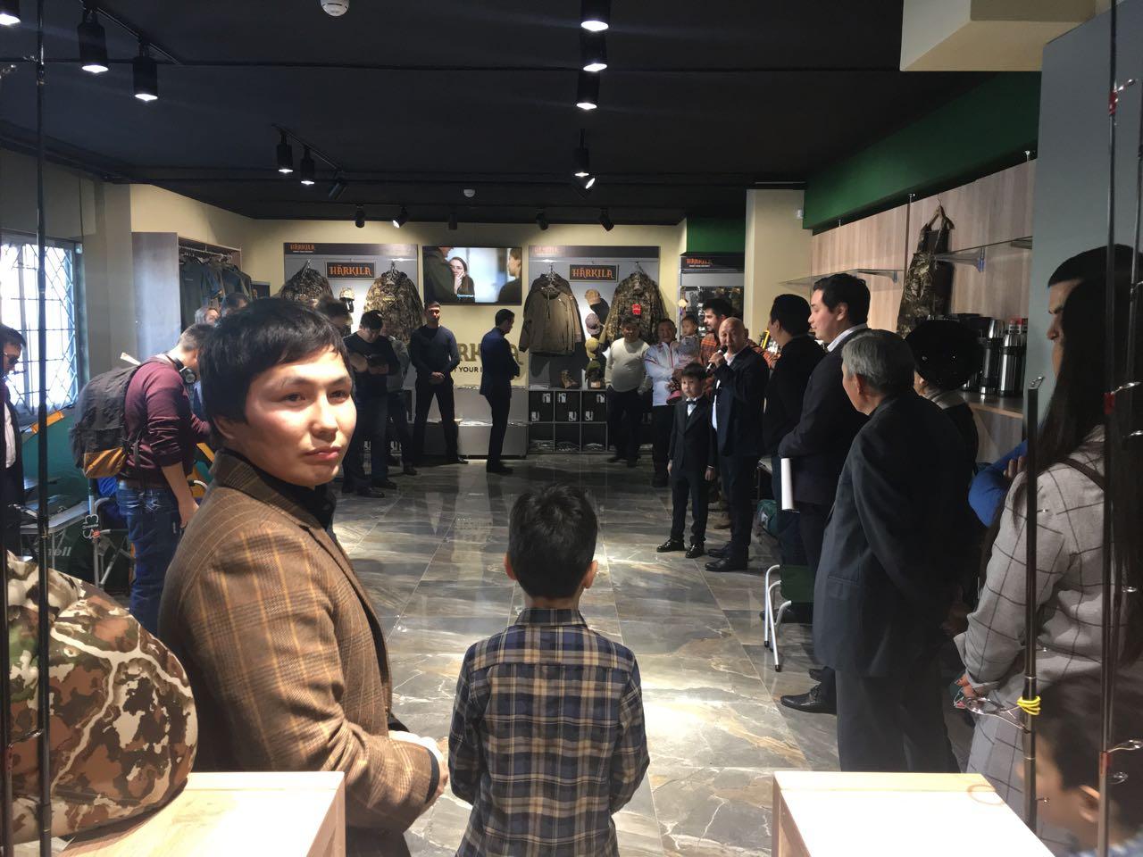 Виктор Лебедев открыл магазин для охоты и рыбалки в Якутске