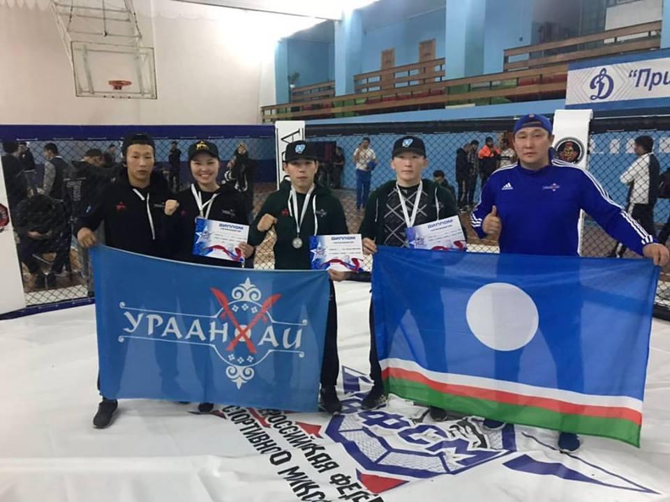 «Урянхайцы» стали серебряными призерами Отрытого Кубка России по миксфайту
