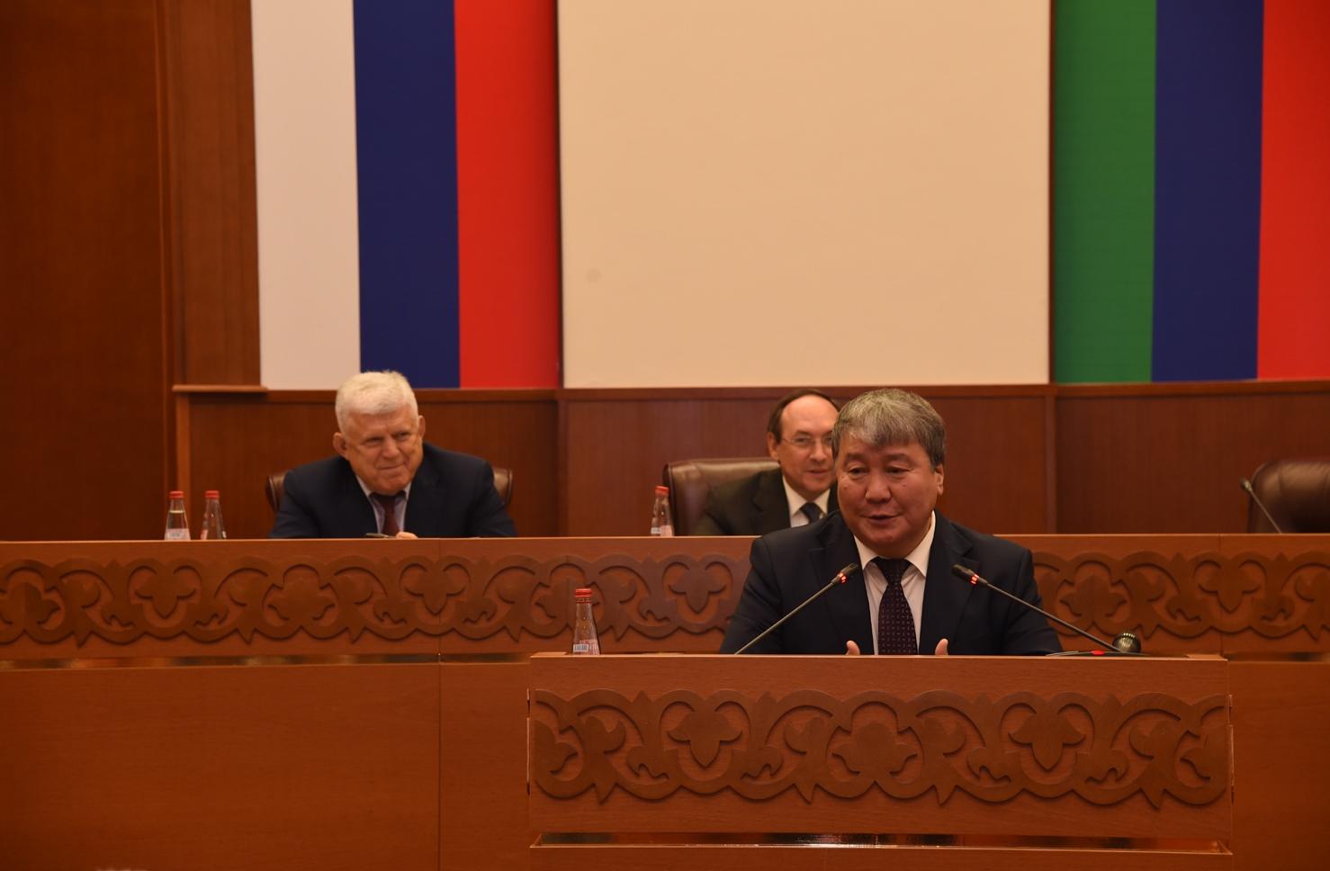 Александр Жирков на выездном совещании поднял вопрос законодательного обеспечения сельских школ