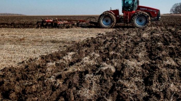 Аграрии столицы полностью завершили уборку урожая