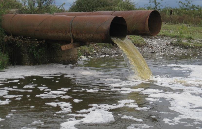 Коммунальщики Алданского района Якутии оштрафованы на 12 млн рублей за сброс неочищенных стоков в реку