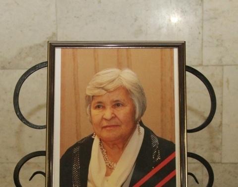 Москва простилась с Леной Аммосовой