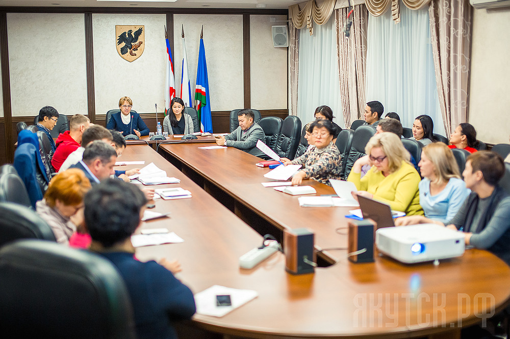 Общественная комиссия обсудила благоустройство дворовых территорий