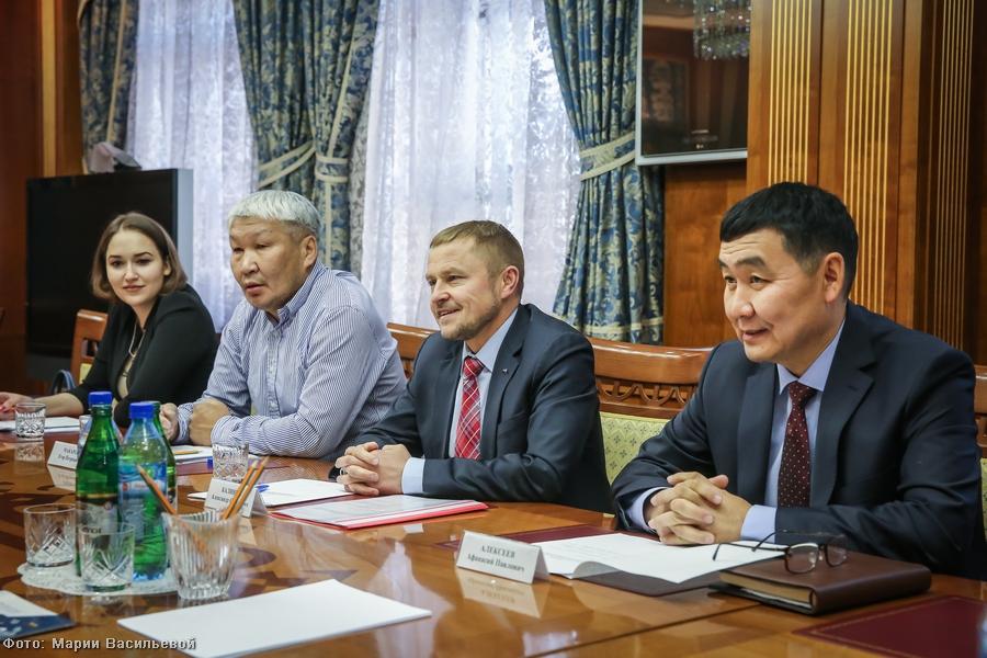 Глава Якутии встретился с президентом общественной организации «ОПОРА РОССИИ» Александром Калининым