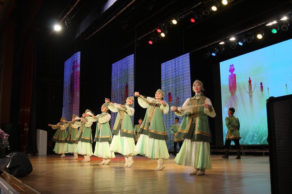 35 лет высшему физкультурному образованию в Якутии