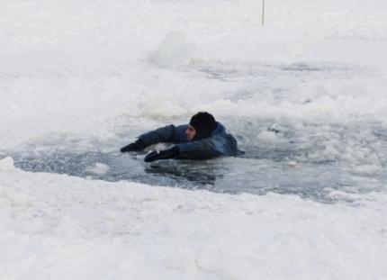 МЧС предупреждает: осторожно – тонкий лед!