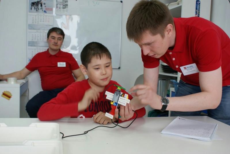 Полезные навыки: где бесплатно обучают детей азам робототехники