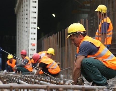 Правительство РФ снизило количество необходимых иностранных рабочих в стране