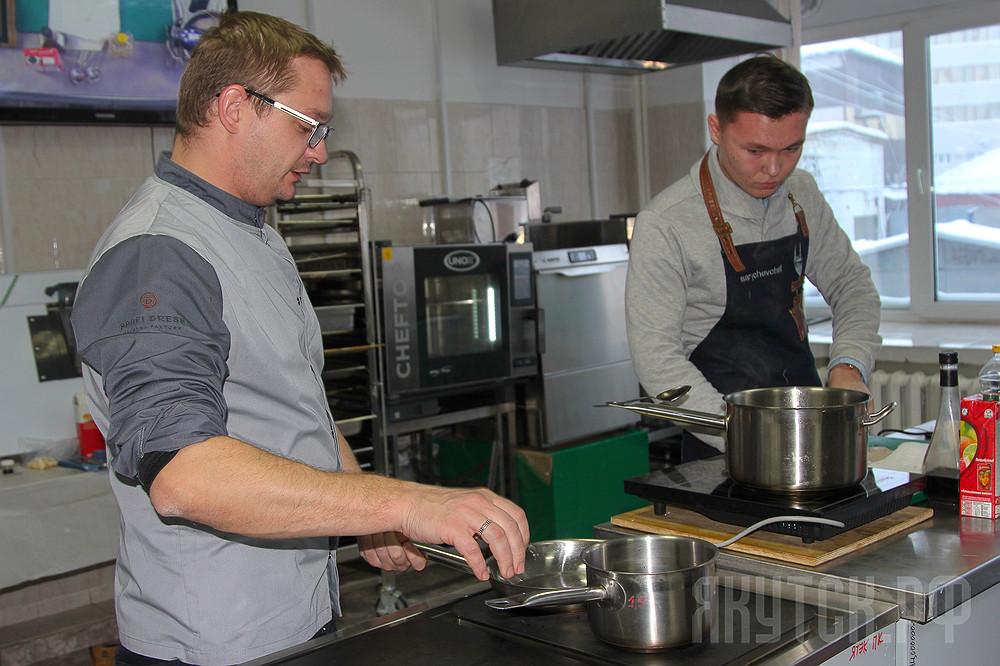 «Вкус Якутии»: Шеф-повар Николай Сарычев провел мастер-класс в Якутске