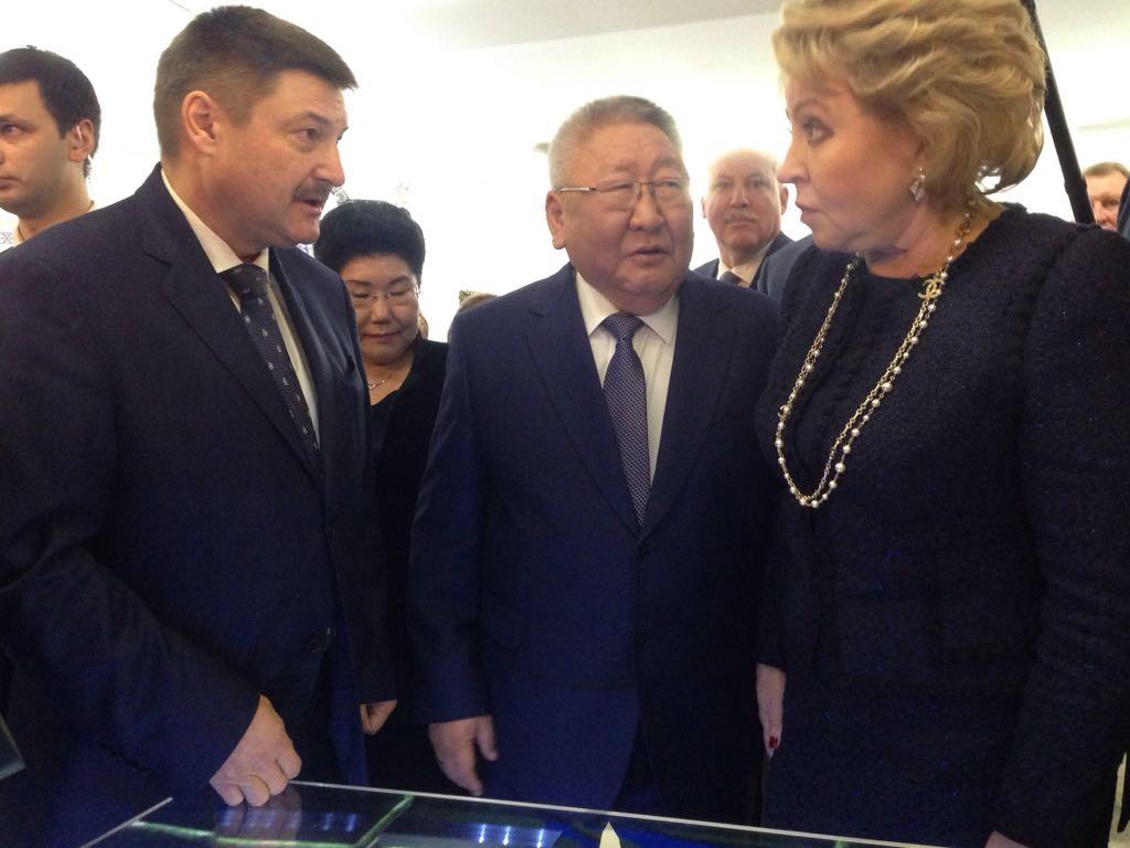 Вопрос о строительстве совмещенного автомобильно-железнодорожного моста прозвучал в Совете Федерации