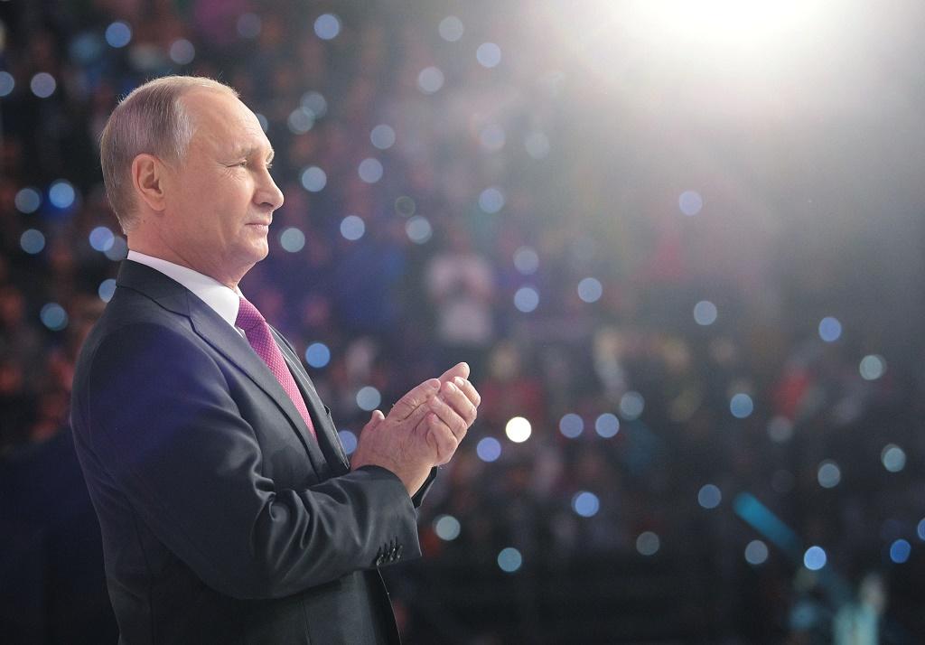 Путин: «У нас как только предвыборную кампанию объявляют, сразу все перестают работать, это я знаю не понаслышке»