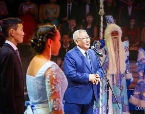 Егор Борисов поздравил лучших учащихся на традиционной Ёлке Главы Республики Саха (Якутия)