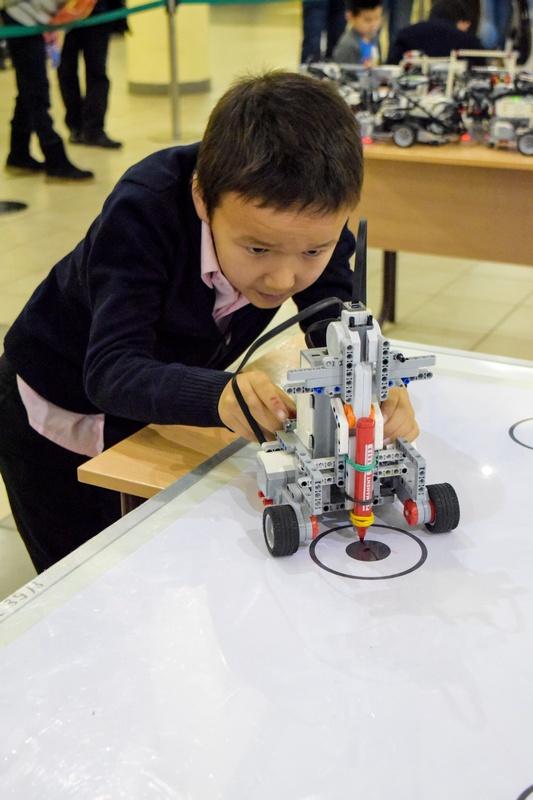 В Якутске состоялся V робототехнический фестиваль «Робофест»В Якутске состоялся V робототехнический фестиваль «Робофест»