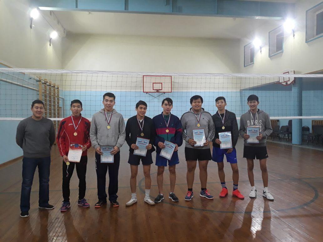 В с. Хатассы проведены соревнования по волейболу