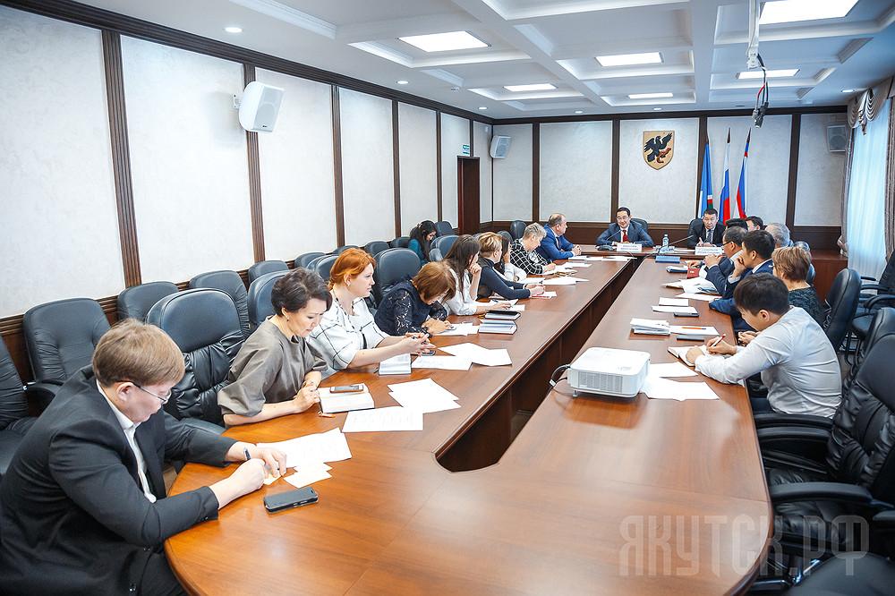 Реальная польза и новый уровень жизни: в Якутске обсудили мероприятия Года новаторства