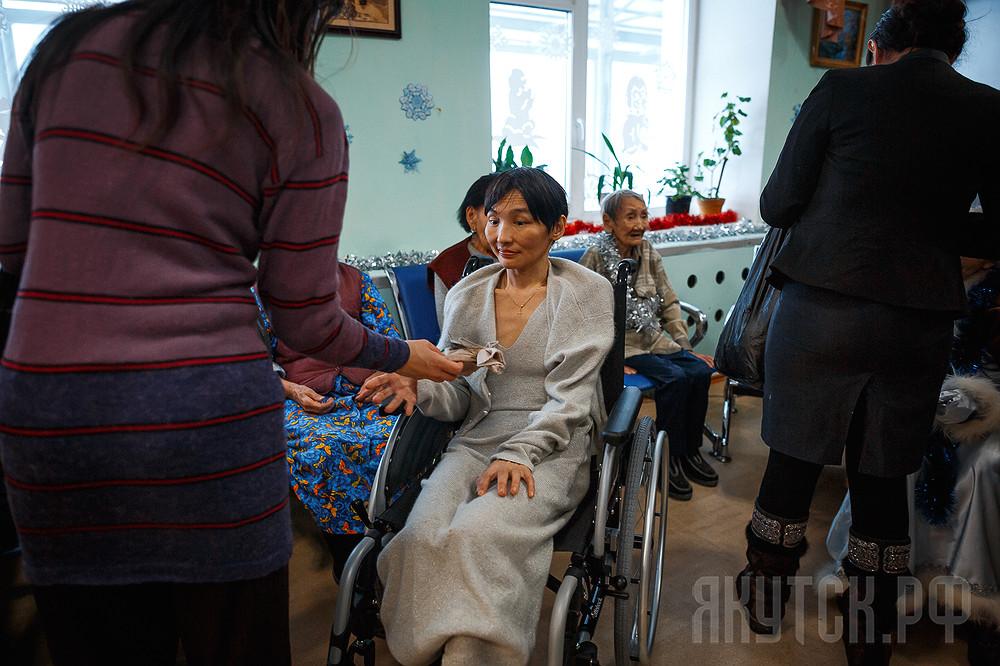 В Якутске продолжается благотворительная акция «Старость в радость»