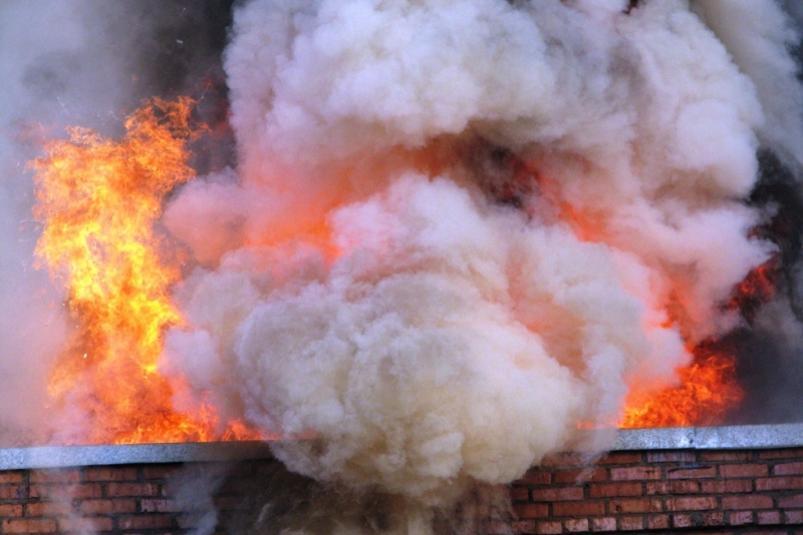 ВИДЕОФАКТ: В пригороде Якутска горит исправительная колония №7