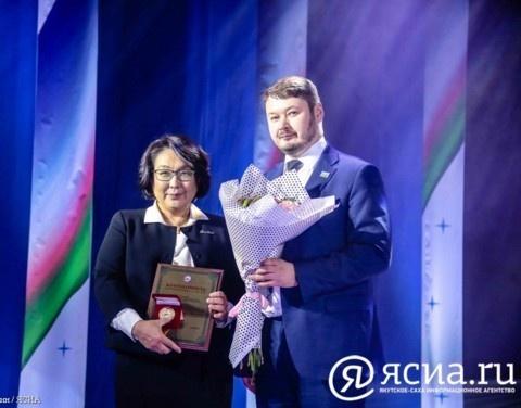 Евгений Чекин поздравил авиакомпанию «Якутия» с юбилеем