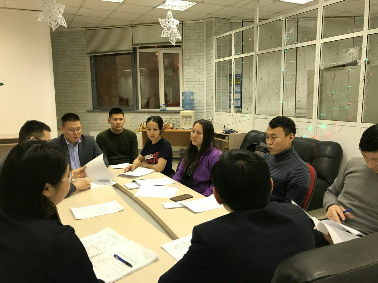Участники проекта «Школа парламентаризма» работают с реальными законопроектами