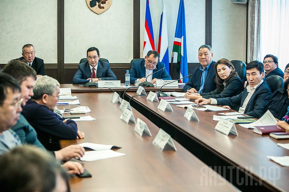 Айсен Николаев: Все плановые показатели по сельскому хозяйству должны быть выполнены